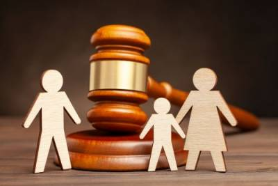 Myths about child custody and child support for dads
